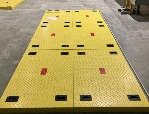 Trappe d'accès en composite pour installation dans une centrale nucléaire